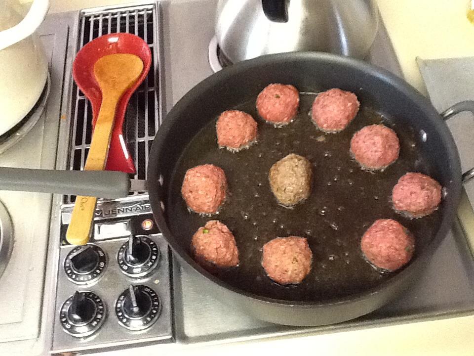Meatballs and Spaghetti Sauce (1/2)